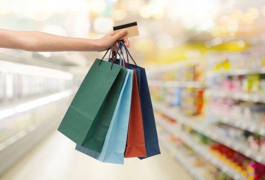 """올 3분기 작년보다 12조 더 긁었다… """"카드, 쇼핑·신차 더 샀네"""""""
