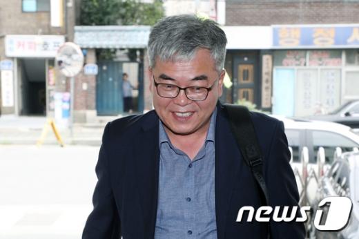 박훈 변호사가 김봉현 전 스타모빌리티 회장으로부터 룸살롱 접대를 받은 검사의 실체를 공개했다. /사진=뉴스1