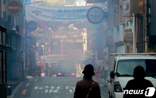 서울 소재 클럽 44곳 중 절반에 해당하는 22개 업소가 신종 코로나바이러스 감염증(코로나19) 확산 방지를 위해 핼러윈데이 기간 자발적으로 휴업하기로 했다고 30일 밝혔다. /사진=뉴스1