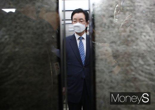 정정순 더불어민주당 의원이 31일 공직선거법 위반 혐의로 검찰에 자진 출석했다. /사진=장동규 기자