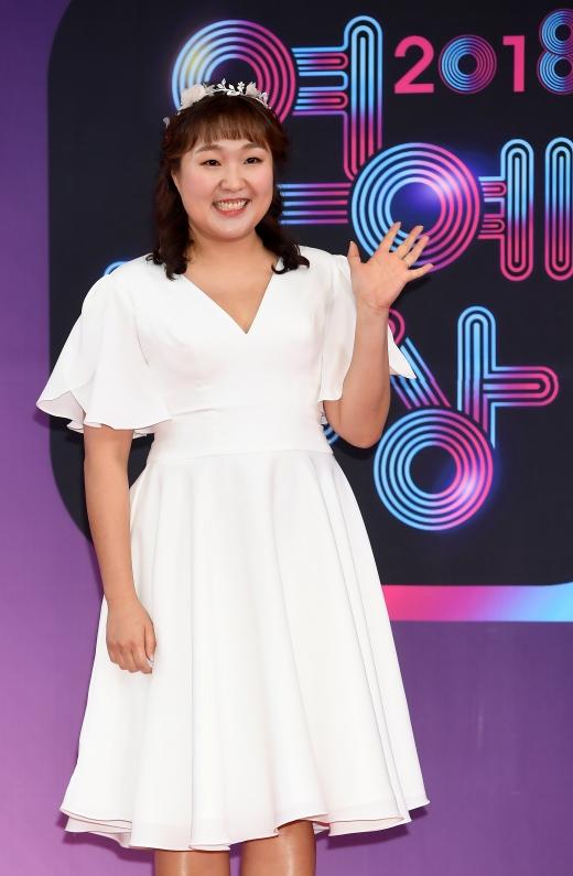 개그맨 이수지가 1일부터 MBC '신비한TV 서프라이즈' MC로 합류한다. /사진=MBC 제공