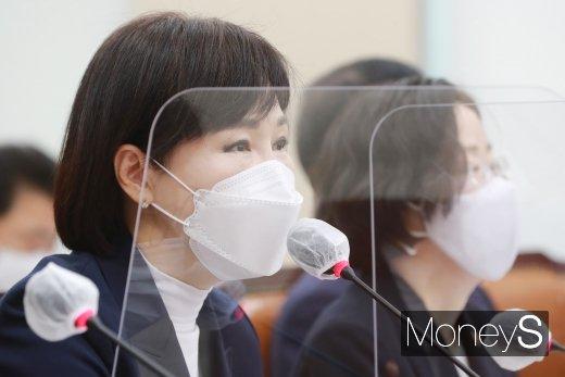 [머니S포토] 질의 답변하는 전현희 국민권익위원회 위원장