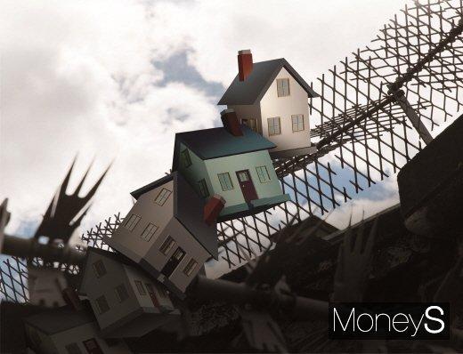 비정상적인 아파트 매매가 급등에 이어 최근엔 전셋값마저 폭등 수준을 보이고 있다. 매매가 대비 전세가비율(전세가율)이 상대적으로 낮은 서울 강남 재건축아파트에선 한달도 안돼 보증금이 두배 이상 급등하는 현상이 나타났다. /사진=머니S DB