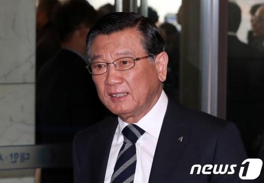 박삼구 당시 금호아시아나그룹 회장이 지난해 1월15일 서울 중구 대한상공회의소에 들어서고 있다. /사진=뉴스1