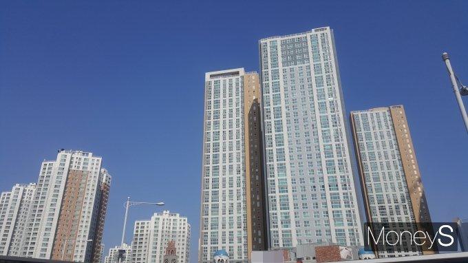 전셋값 급등에 탈서울이 가속화 된 것으로 나타났다. 사진은 경기 김포의 한 아파트 단지. /사진=김창성 기자