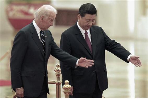 중국이 홍콩에 대한 통제력 강화에 나섰다. 조 바이든 행정부 출범을 앞두고 이뤄진 이번 조치에 대해 시진핑 국가주석이 조 바이든 당선인 떠보기에 들어갔다는 평이 나온다./사진=로이터