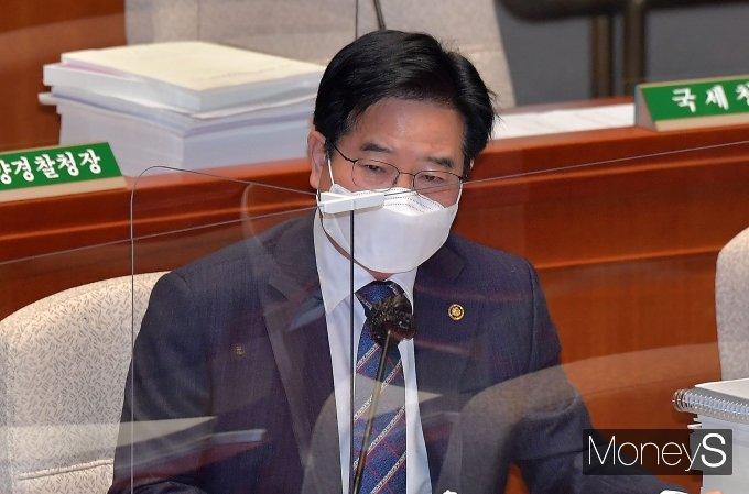 [머니S포토] 예결위 질의 답하는 김창룡 경찰청장