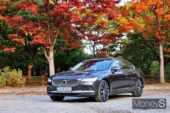 볼보자동차의 'S90'은 '편안하다'는 한마디로 정의된다. /사진=박찬규 기자