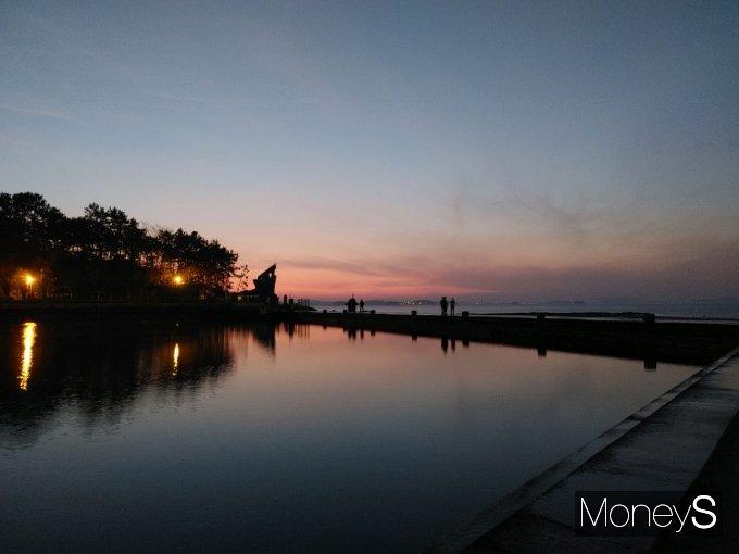 [머니S포토] 함평 돌머리 해수욕장의 노을