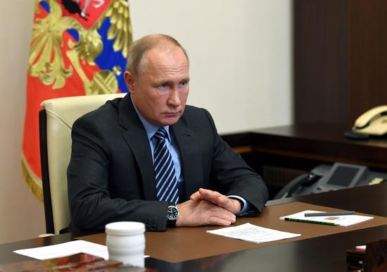 푸틴 러시아 대통령이 13일(현지시각) 모스크바에서 화상회의에 참석해 있다. /사진=로이터