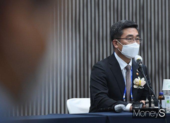 [머니S포토] 제5회 방산업체 CEO 간담회에서 발언하는 서욱 장관