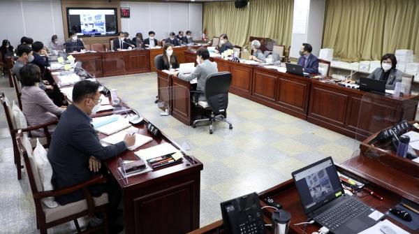 수원시의회 도시환경위원회, 2020년도 행정사무감사 돌입. / 사진제공=수원시의회