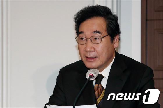 이낙연 더불어민주당 대표가 추미애 법무부 장관과 김현미 국토부 장관에 대한 해임 필요성을 말하지 않았다고 밝혔다. /사진=뉴스1