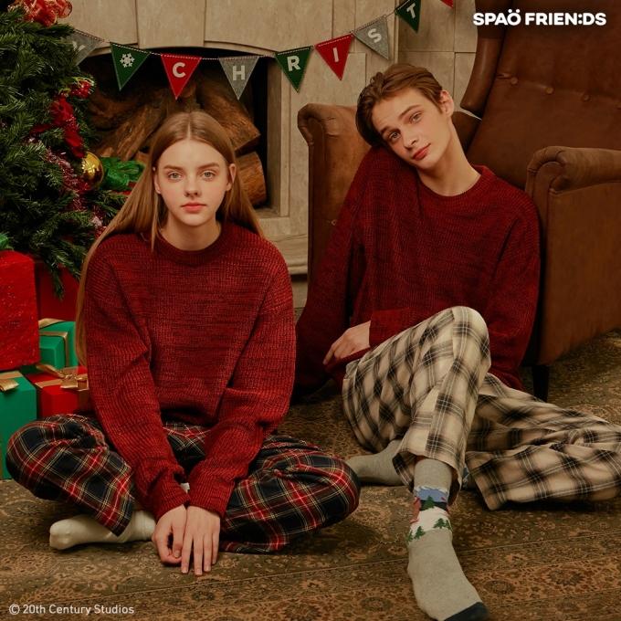 스파오가 크리스마스를 대표하는 영화 '나 홀로 집에'와 협업 상품을 출시했다. /사진=스파오