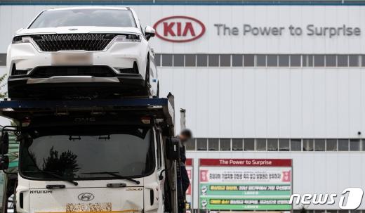 한국지엠(GM)에 이어 기아자동차 노동조합이 결국 극단적 선택을 했다. /사진=뉴스1