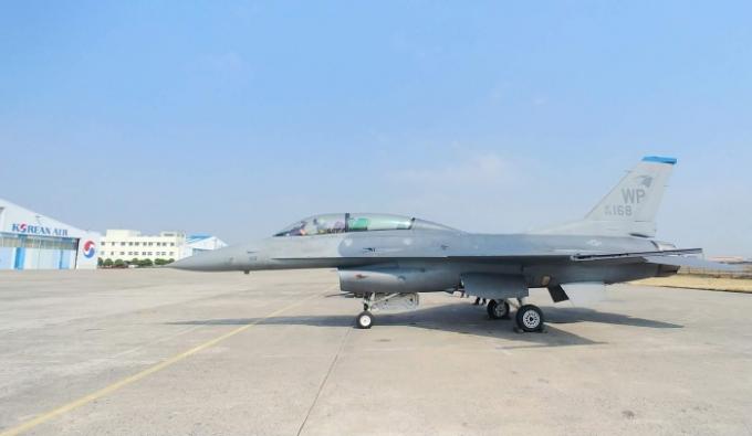 대한항공이 미 공군 전투기 'F-16' 전투기의 수명(비행 가능시간)연장 및 창정비 사업을 수주했다. /사진제공=대한항공