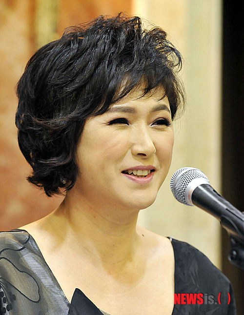 가수 김용임이 황혼 육아를 실제로 하고 있다고 밝혔다. /사진=뉴시스 DB