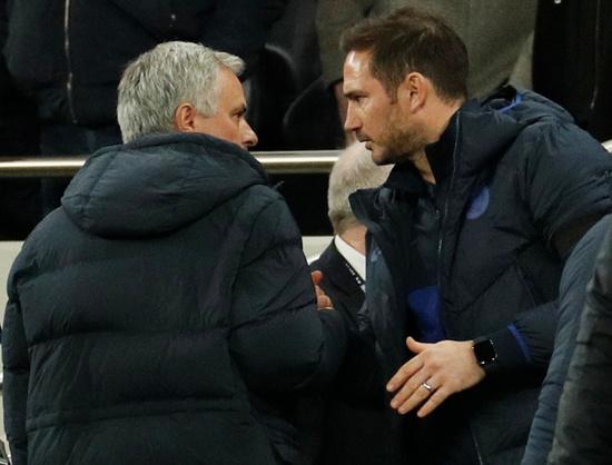 프랭크 램파드 첼시 감독(오른쪽)은 부임 이후 역대 네번째로 '스승' 조세 무리뉴 토트넘 홋스퍼 감독을 만난다. /사진=로이터
