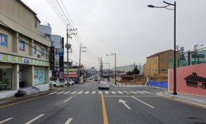 """""""이걸 도로라고 만드나?""""…김해시 안동1지구 동측도로 차선 논란"""