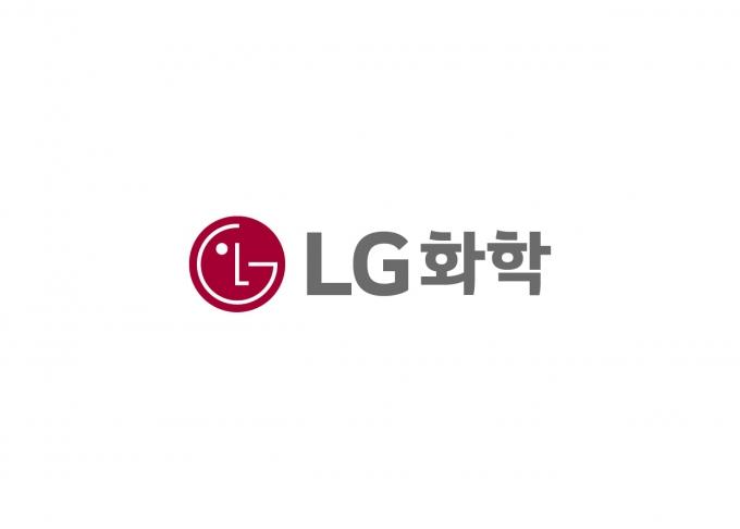 [특징주] LG에너지솔루션 출범 첫날… LG화학 상승세