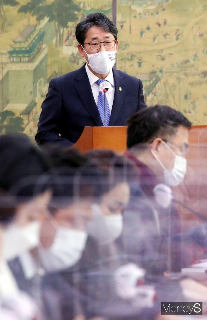 [머니S포토] 국회 문체위, 박양우 장관의 현안보고