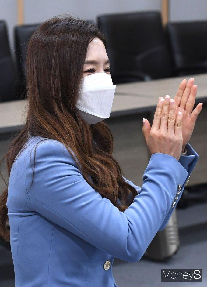 [머니S포토] 기부자 대표로 참석한 김지선