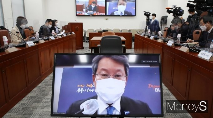 """[머니S포토] 변성완 부산시장 대행 """"가덕 신공항이 조속히 건설돼야..."""""""