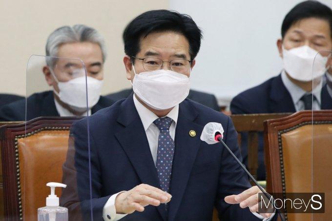 [머니S포토] 답변하는 김창룡 경찰청장