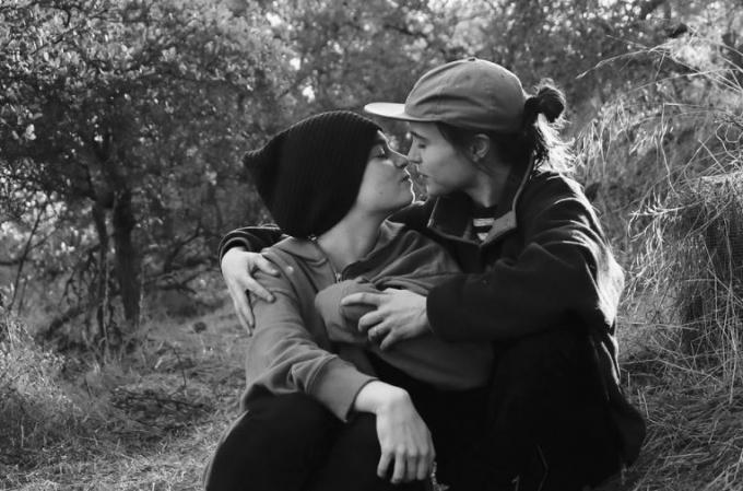 할리우드 배우 엘렌 페이지가 자신이 트랜스젠더라는 사실을 고백한 가운데 배우자인 안무가 엠마 포트너에 대한 관심이 높다. /사진=엠마 포트너 인스타그램