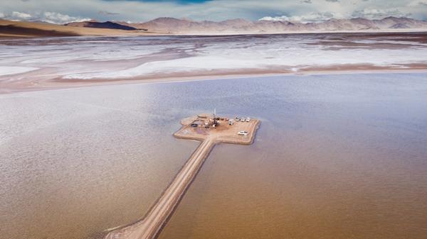 포스코가 아르헨티나 리튬 염호에서 탐자를 진행하고 있다. /사진=포스코