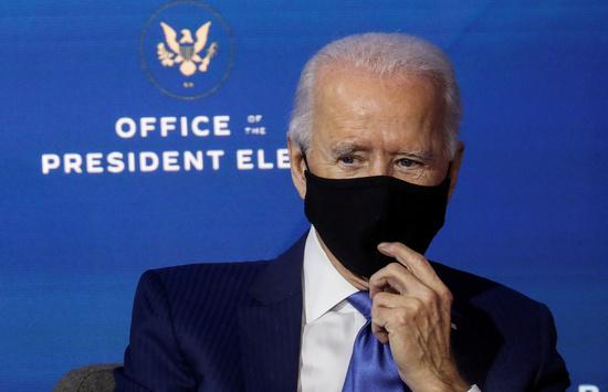 """조 바이든 미국 대통령 당선인이 3일(현지시간) CNN과의 인터뷰에서 """"초당적인 코로나19 경기부양책이 빨리 통과돼야 한다""""고 주장했다. /사진=로이터"""