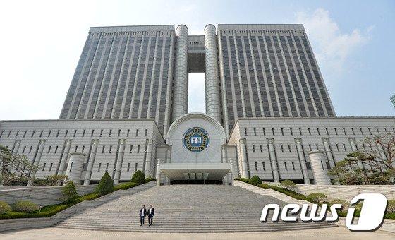 전국 판사들이 대검을 향해 날선 비판을 쏟아내고 있다. 사진은 서울중앙지방법원. /사진=뉴스1