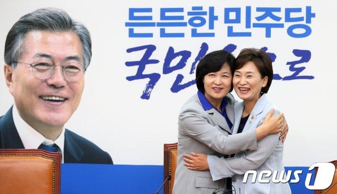 '전세·코로나·검찰' 3란에 文정부 '휘청'…민심 이반 '적색등'