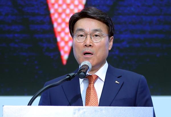 최정우 포스코 회장의 연임이 오는 11일 이사회에서 결정될 전망이다. /사진=뉴스1
