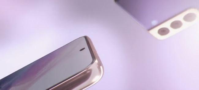 이번엔 삼성전자의 스마트폰 '갤럭시S21' 시리즈의 실제 모습이 담긴 영상이 공개됐다. /사진=안드로이드폴리스 캡처