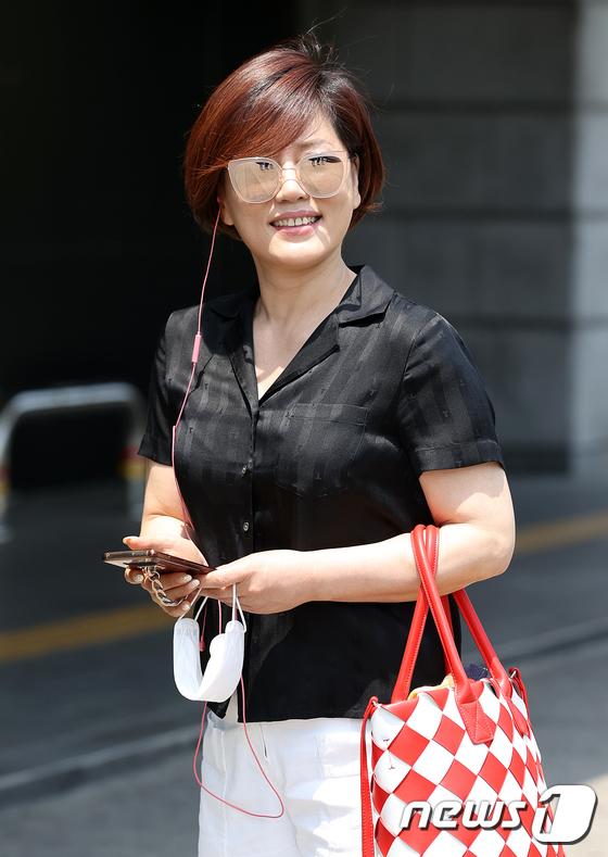 '아침마당'에 절친 사이인 가수 한혜진(사진)이 김용임과 출연했다. /사진=뉴스1