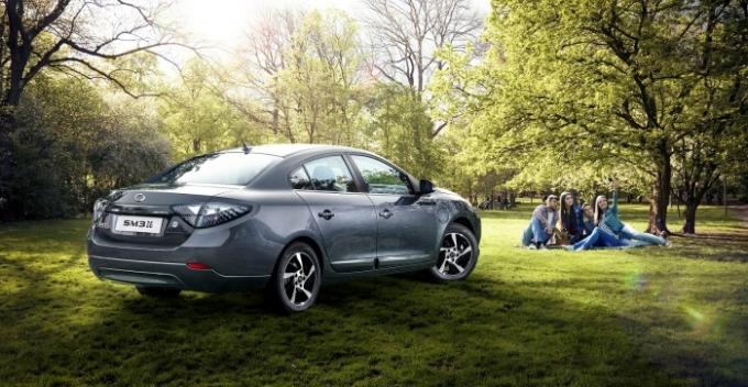 르노삼성자동차가 2013년 국내 최초로 양산 및 판매를 시작했던 국내 유일의 준중형급 전기자동차 SM3 Z.E.의 판매를 이달 종료한다. /사진제공=르노삼성자동차
