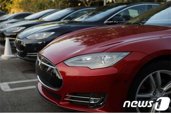 전기자동차와 수소자동차 사고 시 대차 기준을 금융감독원이 마련했다. 사진은 테슬라 모델3./사진=뉴스1