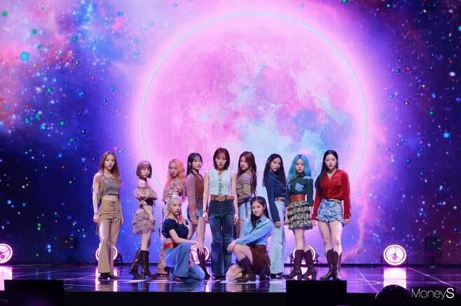 걸그룹 이달의 소녀 멤버 전원이 코로나19 검사 결과 음성판정을 받았다./ 사진=장동규 기자