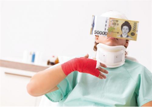 4세대 실손의료보험이 2021년 7월 출시를 앞둔 가운데 그 실효성에 대한 의구심이 커지고 있다./사진=이미지투데이