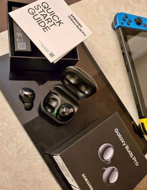올해 출시예정인 삼성전자의 새 무선이어폰 갤럭시버즈 프로가 외국의 한 사이트에서 이미 판매 중인 것으로 알려져 화제다. /사진제공=샘모바일