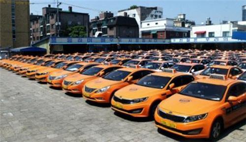 서울시내 한 택시회사 차고지에 운행을 마친 택시가 정차되어 있다. / 사진제공=서울시