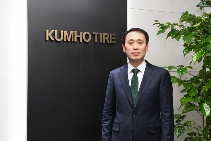 11일(현지시각) 금호타이어는 글로벌마케팅부문장에 한국타이어 출신 이강승 상무를 선임했다고 밝혔다. /사진제공=금호타이어