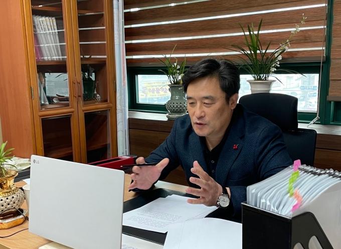 신년인사회를 비대면으로 개최한 정동만 국회의원/사진=정동만국회의원실