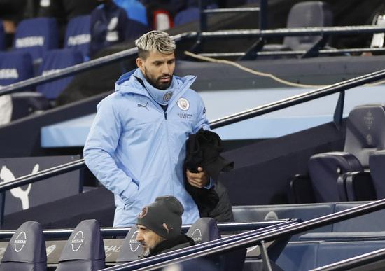 맨체스터 시티 공격수 세르히오 아구에로가 스페인 명문 FC바르셀로나의 관심을 받고 있다. /사진=로이터