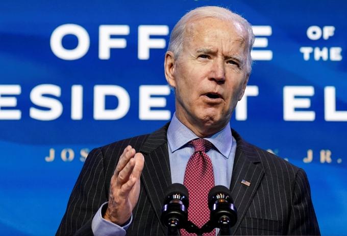 조 바이든 미국 대통령 당선인이 상원에 도널드 트럼프 대통령의 탄핵안과 국정과제 처리를 동시해 해야 한다고 강조했다. 사진은 미국 델라웨어주 월밍턴에서 연설하고 있는 바이든 당선인. /사진=로이터