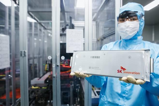 LG에너지솔루션과 SK이노베이션의 배터리 갈등이 한층 격화되는 분위기다. / 사진=SK이노베이션