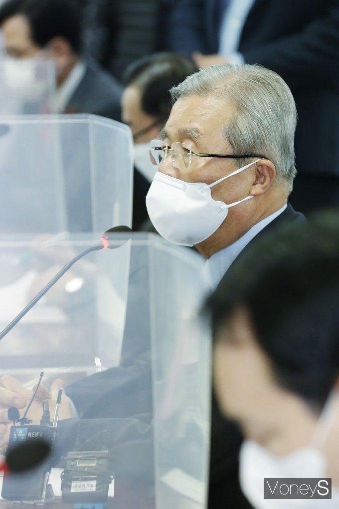 [머니S포토] 대한의사협회 찾은 김종인 위원장