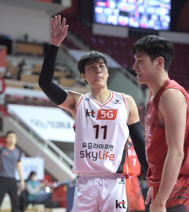 양홍석(사진)과 허훈이 더블더블을 기록한 KT가 KGC를 제압했다. (KBL 제공) © 뉴스1