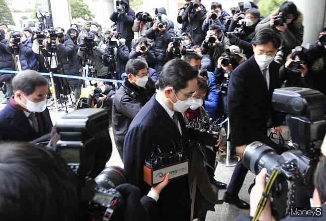 이재용 법정구속에 삼성 초격차 전략 '빨간불'